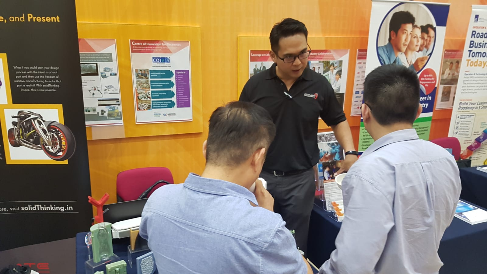 Sales Engineer Eddie Gan explaining the benefits of 3D printing