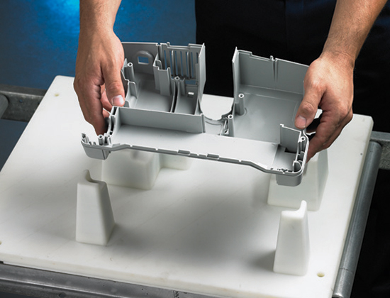 BMW đã thay thế định vị nhôm bằng định vị nhựa nhiệt dẻo ABS in 3D FDM.